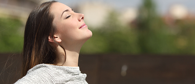 5 pontos no corpo para pressionar e aliviar o estresse - por:  Dra. Adriana de Moraes