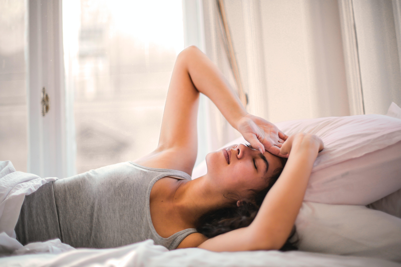 Qual a relação entre dor de cabeça e o médico otorrinolaringologista? – por: Dra. Tatiana Roriz
