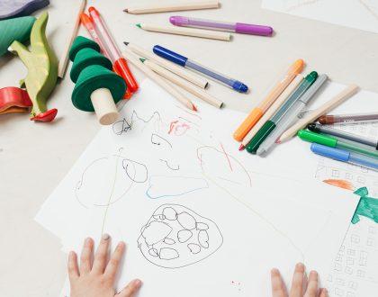 Saiba quais brinquedos são indicados para cada fase da infância - por: Renata Lino